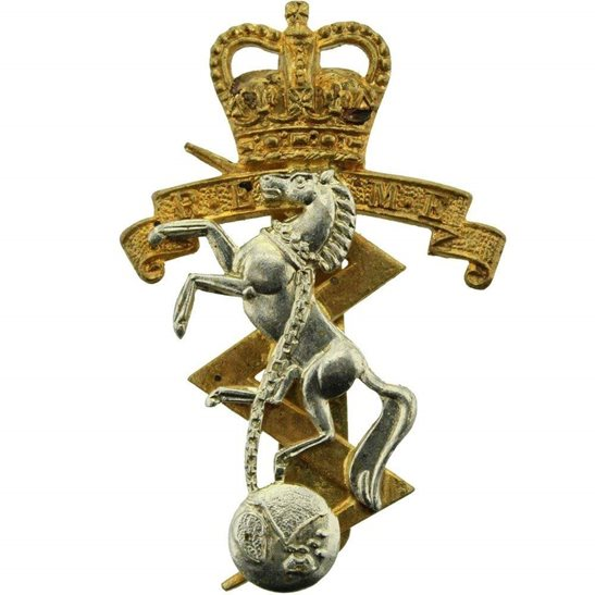 Royal Electrical & Mechanical Engineers REME Royal Electrical & Mechanical Engineers REME Cap Badge - Queens Crown