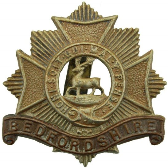 Bedfordshire Regiment WW1 Bedfordshire Regiment Cap Badge - PARTIALLY CLIPPED SLIDER