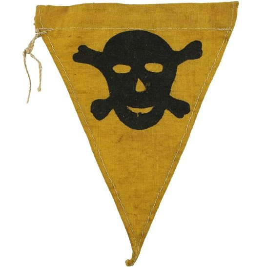 WW2 German Mine Field / Gas Warning Flag Minefield Pennant