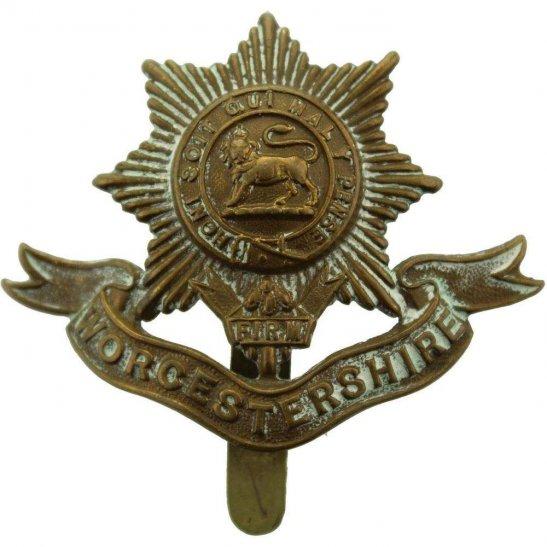 Worcestershire Regiment WW1 Worcestershire Regiment Cap Badge FIRST PATTERN