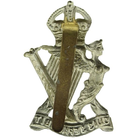 additional image for WW2 Royal Ulster Rifles Regiment Irish Cap Badge