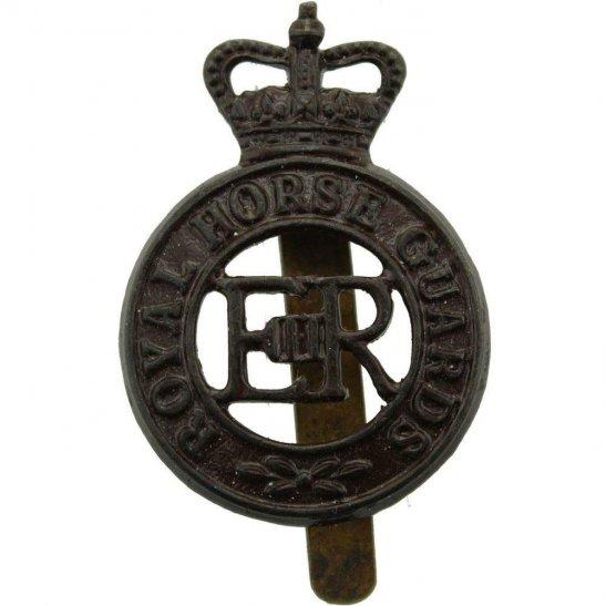 Royal Horse Artillery RHA Royal Horse Guards Regiment RHG Cap Badge J.R.GAUNT LONDON - Queens Crown