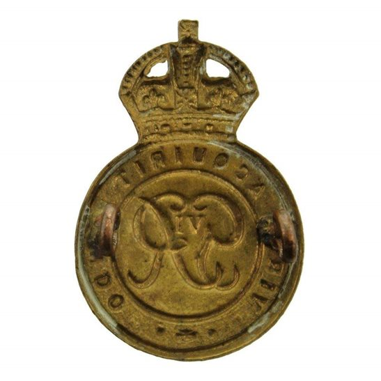 additional image for WW2 Royal Military Academy Sandhurst Officers Training Corps OTC Cap Badge