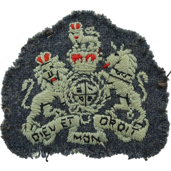 Royal Air Force RAF Royal Air Force RAF Warrant Officer Cloth Insignia Rank Arm / Sleeve Badge Flash - Queens Crown