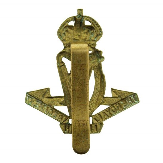 additional image for WW1 Royal Irish Regiment Cap Badge