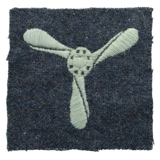 Royal Air Force RAF WW2 Royal Air Force RAF Senior Aircraftman SAC Cloth Insignia Rank Badge