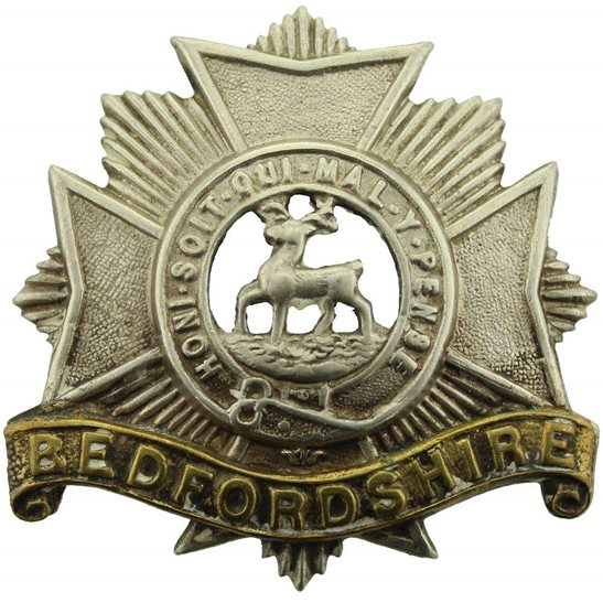 Bedfordshire Regiment Bedfordshire Regiment Cap Badge - EARLY LUGS VERSION