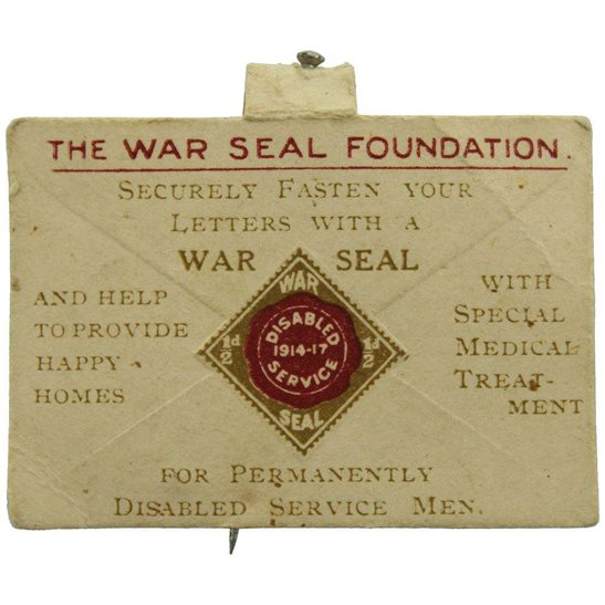 WW1 War Seal Foundation Homes for Disabled Soldiers Flag Day Fundraising Pin Badge