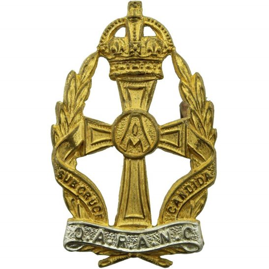 Queen Alexandras Nurses Queen Alexandras Royal Army Nursing Corps QARANC Alexandra's GILT Cap Badge