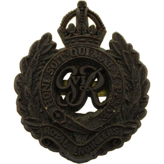Royal Engineers WW2 Royal Engineers Corps PLASTIC Economy Issue Cap Badge