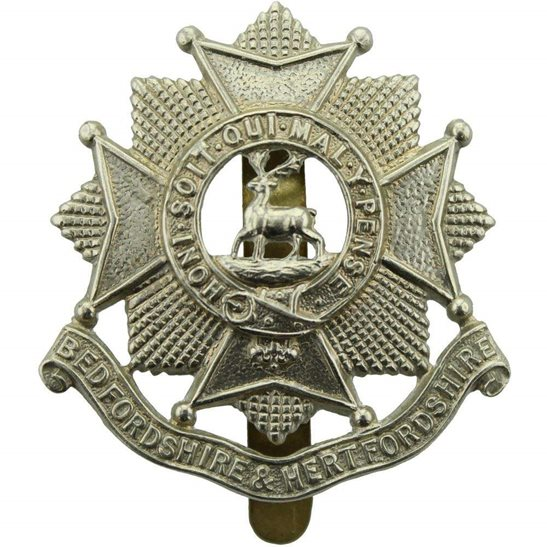 Bedfordshire and Hertfordshire WW2 Bedfordshire and Hertfordshire Regiment Cap Badge