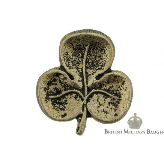18th Irish Rifles Battalion County of London Regiment Collar Badge