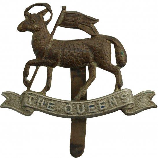 Queens West Surrey WW1 Queens Royal West Surrey (Queen's) Regiment Cap Badge - FIRST PATTERN