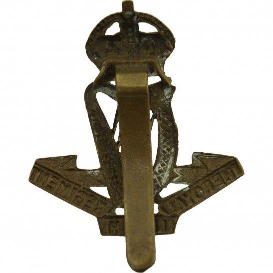 additional image for WW1 Royal Irish Regiment Cap Badge