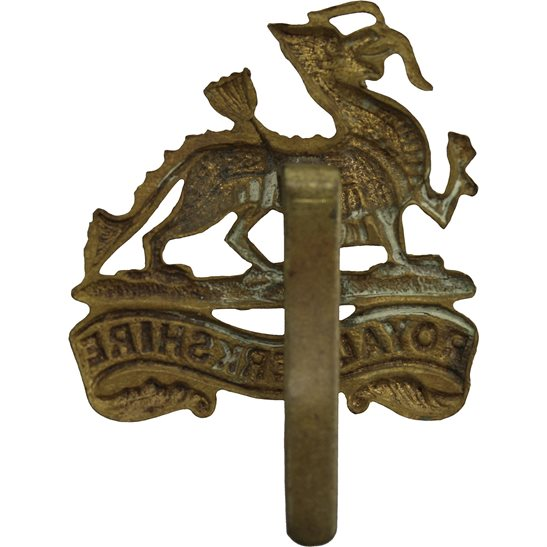 additional image for WW1 Royal Berkshire Regiment Cap Badge
