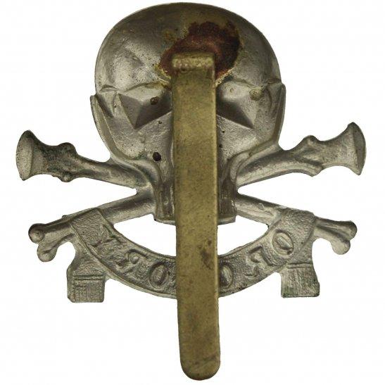 additional image for WW2 17th / 21st Lancers (Deaths Head) Regiment Cap Badge