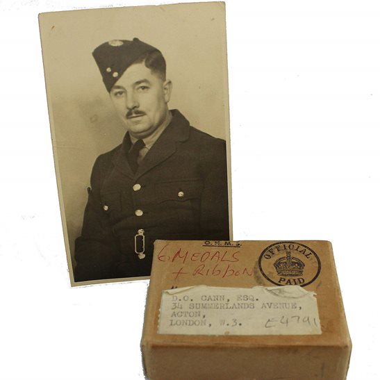 additional image for WW2 AIR MINISTRY Medal Postage Transmittal Box & Original Photo of Recipient - Royal Air Force
