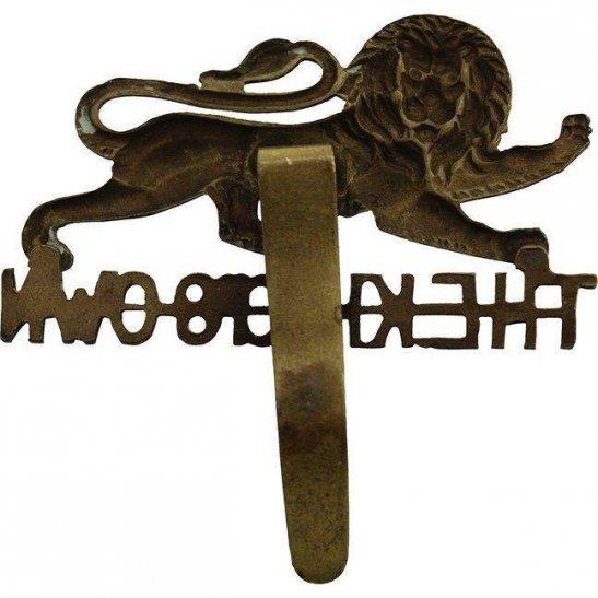 additional image for WW1 Kings Own Royal Lancaster Regiment King's Cap Badge