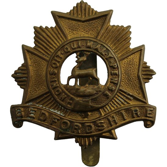 Bedfordshire Regiment WW1 Bedfordshire Regiment 1916 Economy Issue ALL BRASS Cap Badge