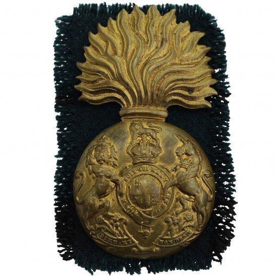 Royal Scots Fusiliers WW1 Royal Scots Fusiliers (Scottish) Regiment Cap Badge & Tartan Backing