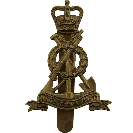 Royal Pioneer Corps Royal Pioneer Corps Cap Badge - Queens Crown