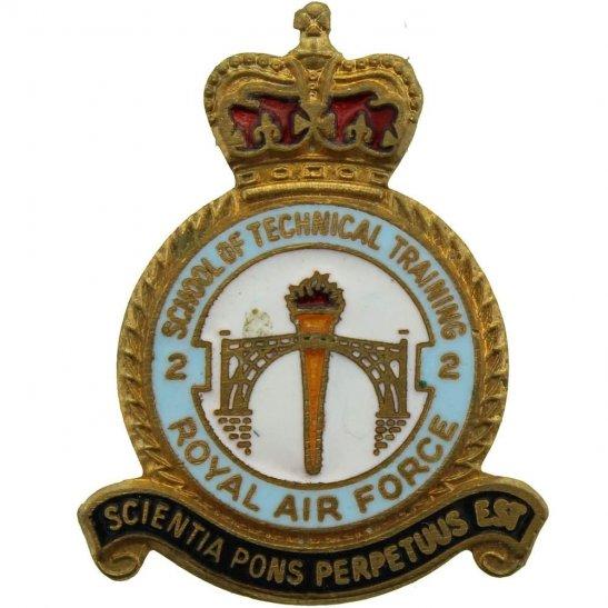 RAF Squadrons Royal Air Force RAF No. 2 School of Technical Training Lapel Badge