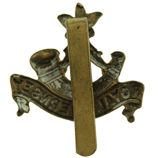 additional image for WW1 Royal Guernsey Light Infantry Regiment Cap Badge