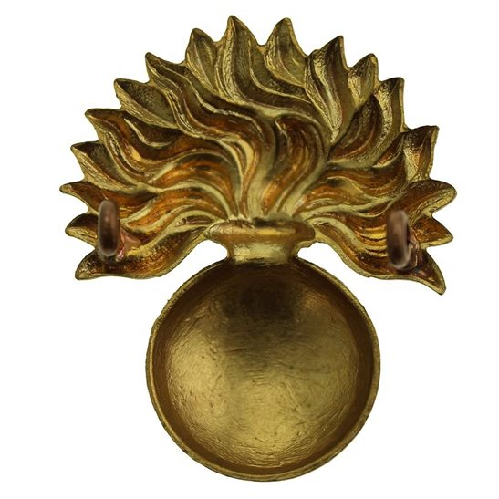 additional image for WW2 Grenadier Guards Regiment Cap Badge
