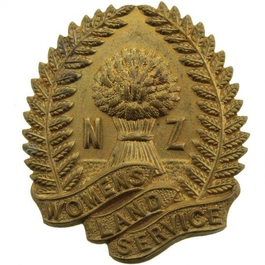 WW2 New Zealand Army WW2 New Zealand Womens Land Army Service Cap Badge