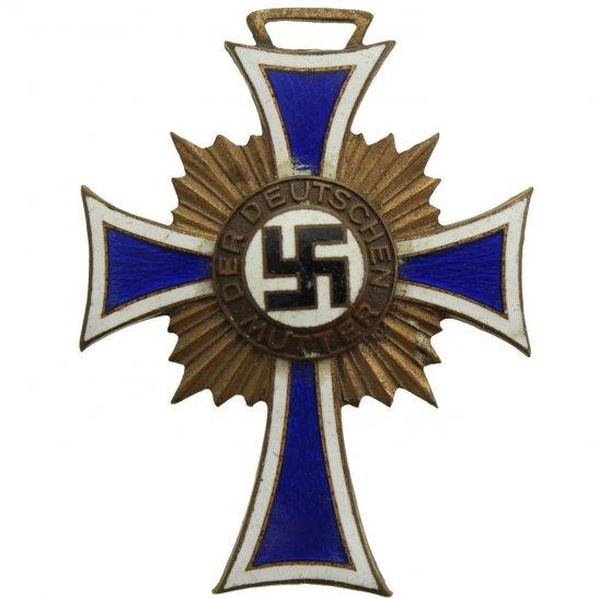 WW2 German Army WW2 German Mothers Cross Medal 3rd Class Bronze Honour Badge