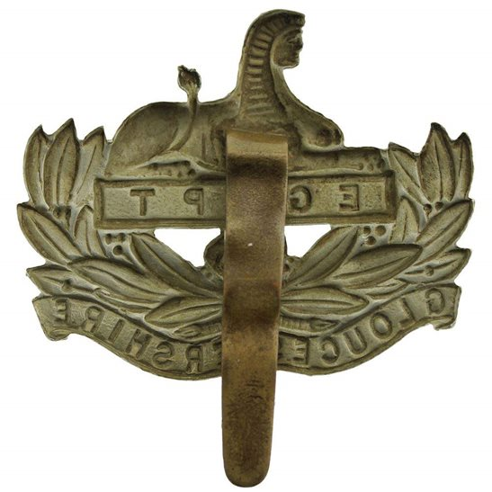 additional image for WW1 Gloucestershire Regiment Cap Badge