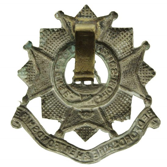 additional image for WW2 Bedfordshire and Hertfordshire Regiment Cap Badge - CLIPPED SLIDER