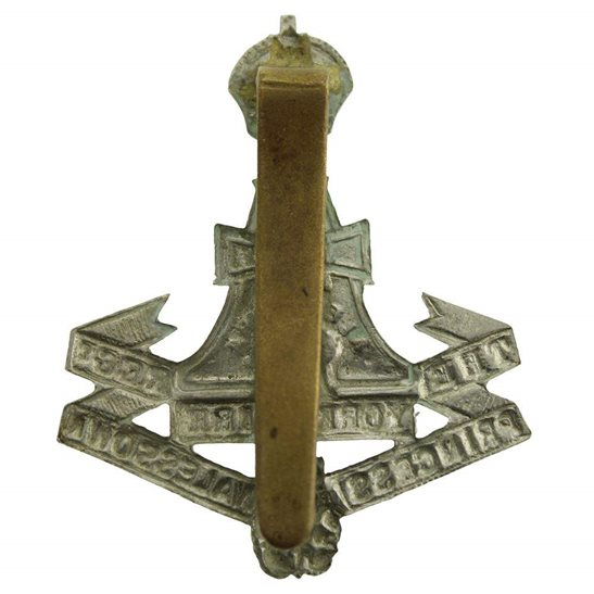 additional image for WW2 Yorkshire (Green Howards) Regiment Cap Badge