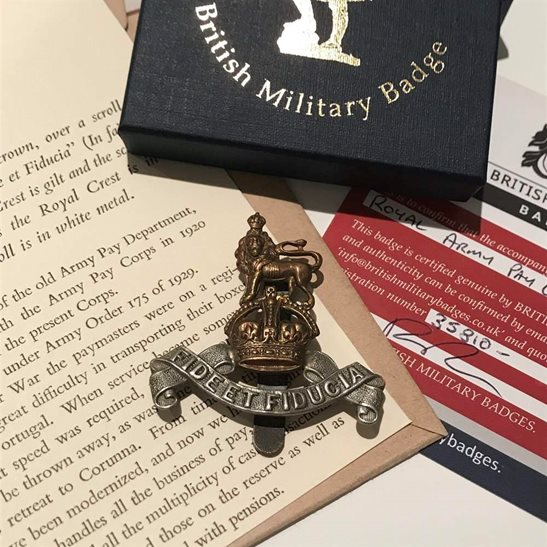 additional image for Royal Army Pay Corps RAPC Cap Badge in Presentation Gift Box