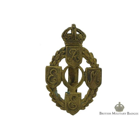 Royal Electrical   Mechanical Engineers REME Cap Badge - FIRST ... a7522f3f517c