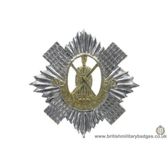 F1C/28 - The Royal Scots Regiment Staybrite Cap Badge
