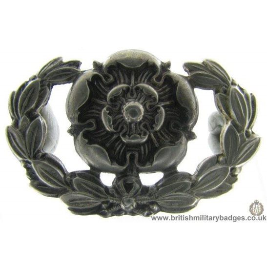B1A/90 - Royal Hampshire Regiment Collar Badge