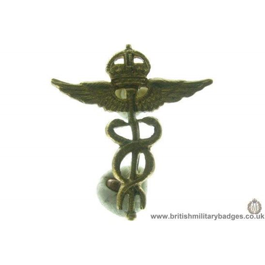 B1B/70 - Royal Air Force Medical Corps Officers RAF Collar Badge