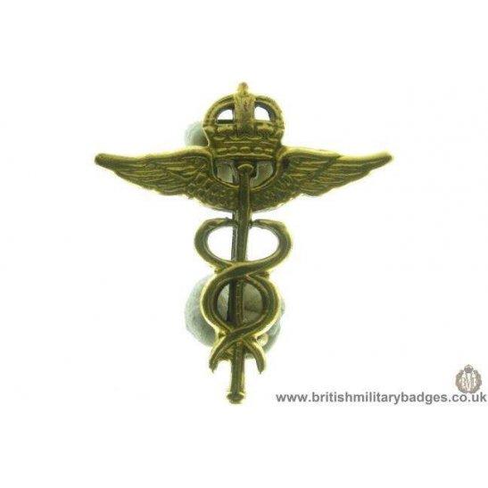 B1B/73 - Royal Air Force Medical Corps Officers RAF Collar Badge