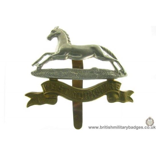 A1A/02 - West Yorkshire Regiment Cap Badge