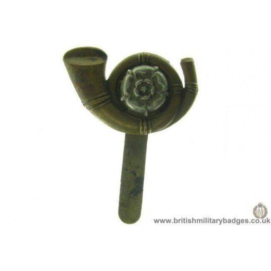 A1B/16 - Kings Own Yorkshire Light Infantry KOYLI Cap Badge