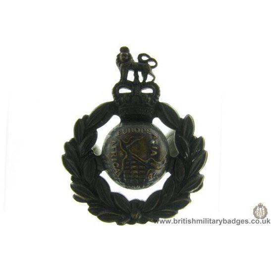 A1C/61 - Royal Marines Corps / Regiment Cap Badge - Queens Crown