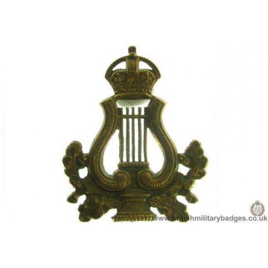 A1E/11 - Musicians / Bandsmen Regiment / Corps Cap Badge