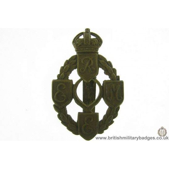 A1E/28 - Royal Electrical & Mechanical Engineers REME Cap Badge