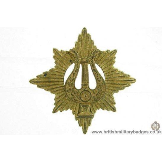 A1E/41 - Musicians / Bandsmen Regiment / Corps Cap Badge