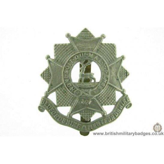 A1E/58 - Bedfordshire & Hertfordshire Regiment Cap Badge