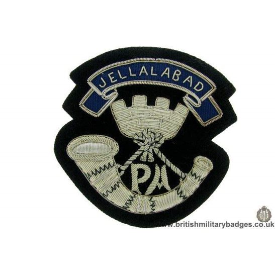 """additional image for R1B/18 - 2nd Dragoon Guards """"Queens Bays"""" Regiment Blazer Badge"""