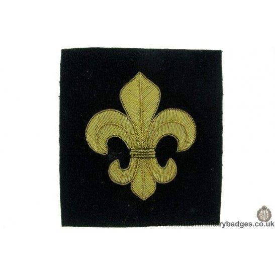 R1B/45 - The Manchester Regiment WIRE Blazer Badge