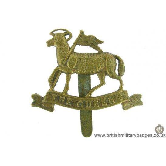 A1F/94 - The Queens West Surrey Regiment ALL BRASS Cap Badge