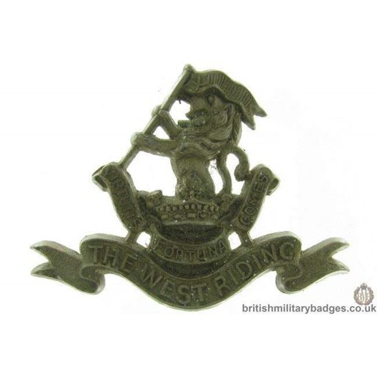 D1A/17 - Duke of Wellington's West Riding Regt PLASTIC Cap Badge